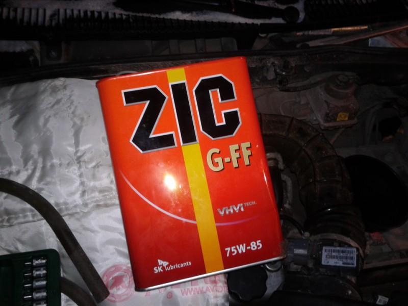 Масло для механической коробки передач «Зик» оригинального производства в четырехлитровой канистре
