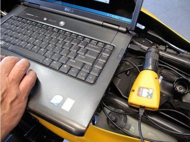 Диагностика двигателя автомобиля BMW