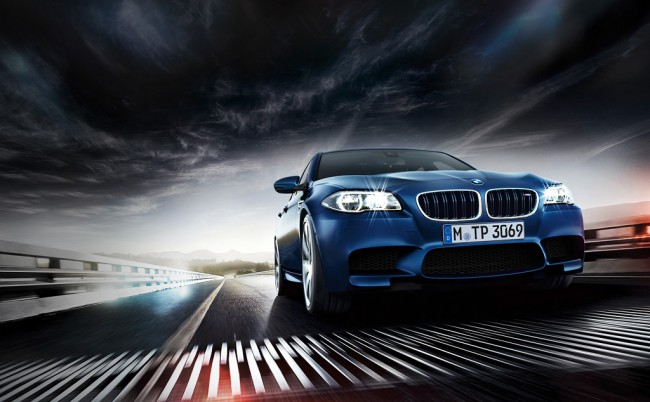 Автомобиль BMW M5