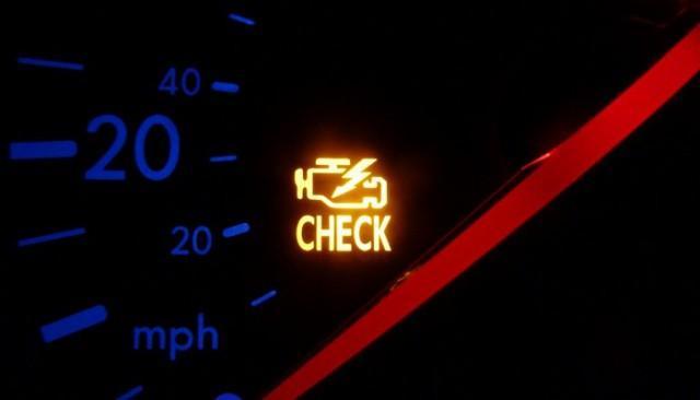 Лампа Check Engine: ее появление на панели приборов автомобиля свидетельствует о возникновении определенных неисправностей