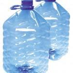 Две пятилитровых пластиковых бутылки, канистры