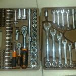 Набор торцевых и накидных гаечных ключей