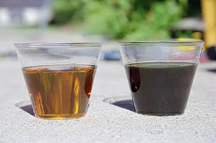 Сравнение новой и старой смазочной жидкости