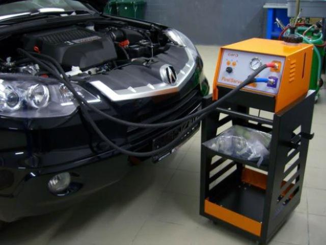 Прочистка инжекторного двигателя при помощи специального оборудования