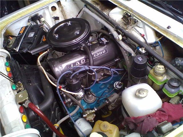 Моторный отсек ВАЗ 2106