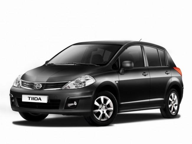 Замена салонного фильтра Nissan Tiida
