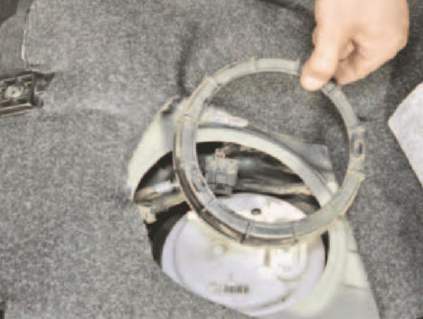 Снятие прижимного кольца