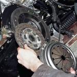 Произведите демонтаж механизма, поочередно сняв все элементы.