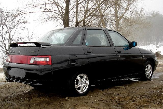Автомобиль ВАЗ 2110 с ДВС 16 клапанов