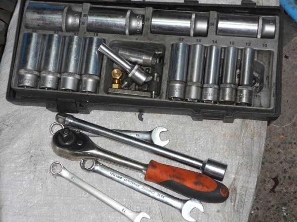 Набор инструментов для выполнения работ