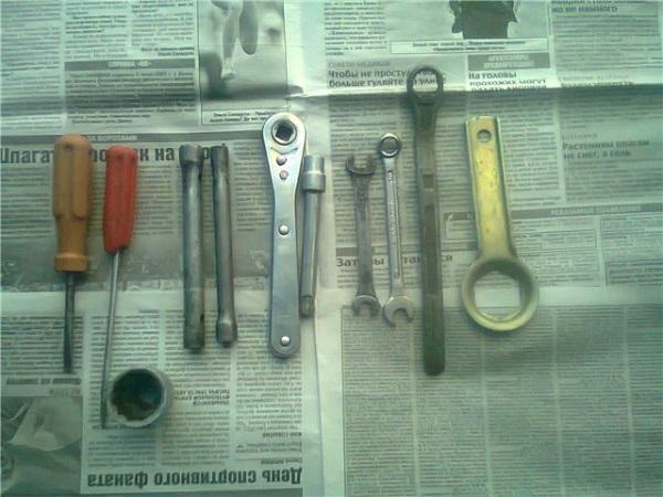 Приготовленные инструменты для работы