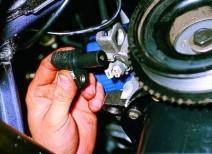 Меняем датчик положения коленвала ВАЗ 2109 инжектор своими руками