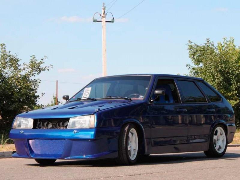 Машина Лада 2109 синего цвета тюнинг