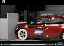 Краш-тест Chevrolet Volt small overlap 2011 и 2014 (IIHS)