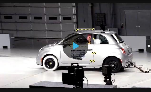 Краш-тест Fiat 500 small overlap 2013 и 2017 (IIHS)