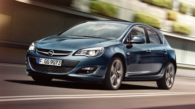 Стремительный автомобиль Opel Astra