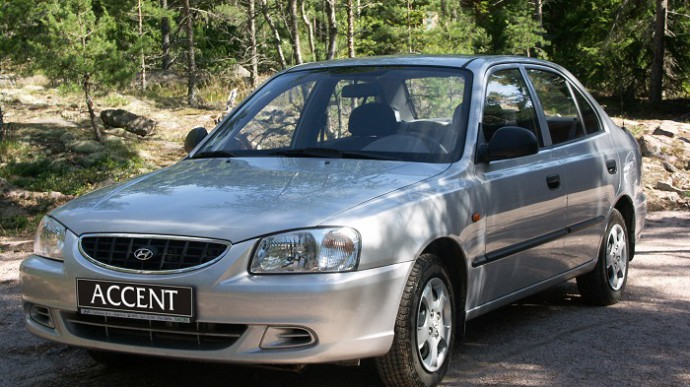 Выбор и замена масляного фильтра на автомобиле Хендай Акцент