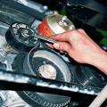 Регулировка натяжения ремня генератора
