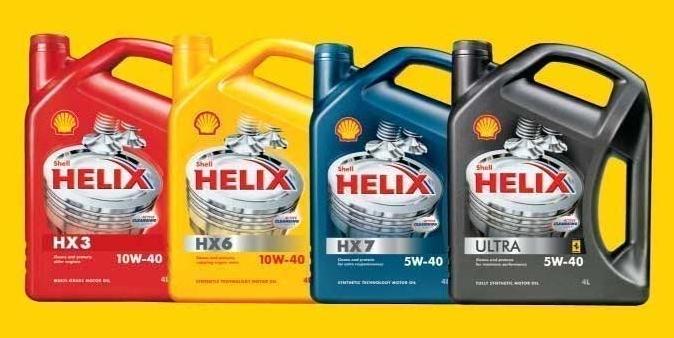Несколько видов моторной жидкости от производителя Shell