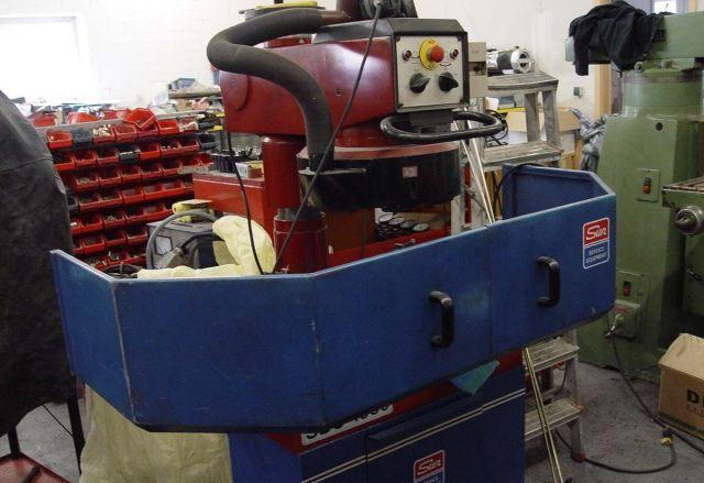 Станок, предназначенный для ремонта и фрезеровки головки блока цилиндров