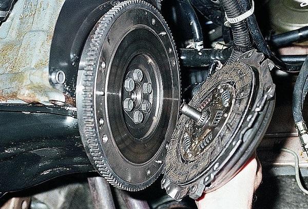 Демонтаж дисков с КПП