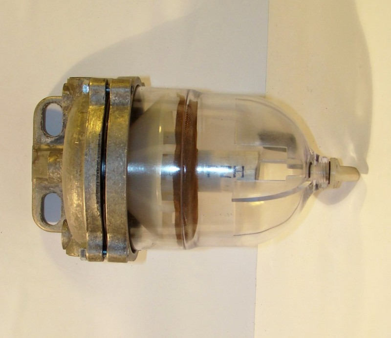 Топливный фильтр грубой очистки с отстойником