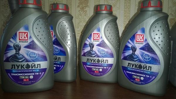 Трансмиссионные масла фирмы Лукойл