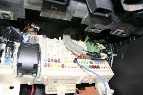 Блок с предохранителями Mazda 3