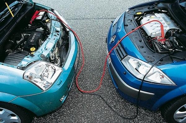 Близко стоящие автомобили