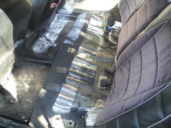 Снимите задние сиденья со своего авто.