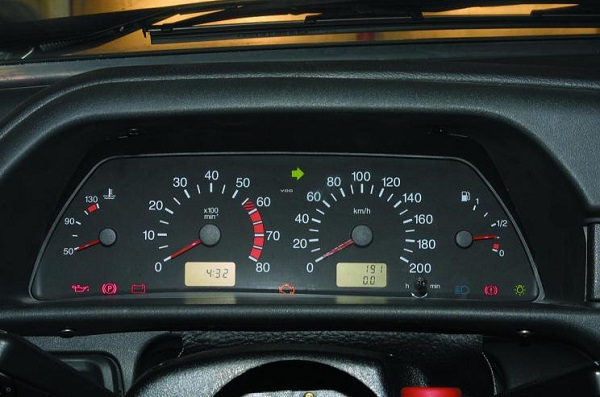 Приборная панель автомобиля ВАЗ 2114