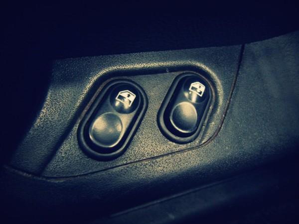 Кнопки стеклоподъемников 2110