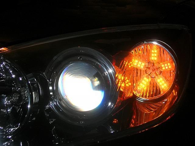 Диодные лампочки в фарах автомобиля