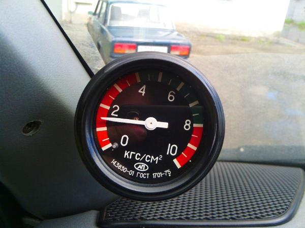 Индикатор давления моторной жидкости