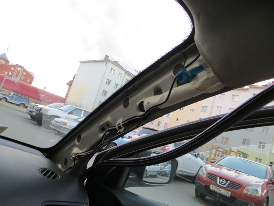 Укладка проводки под пластиковой облицовкой передней стойки