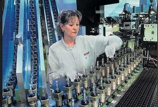 Производство автомобильных лампочек Osram