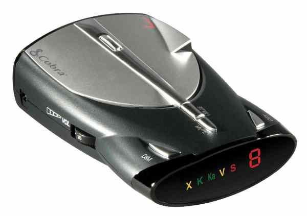Автомобильный детектор Cobra