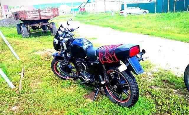 Тюнингованный мотоцикл ИЖ Юпитер 5