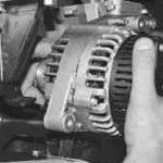 Произведите демонтаж механизма и отремонтируйте его.