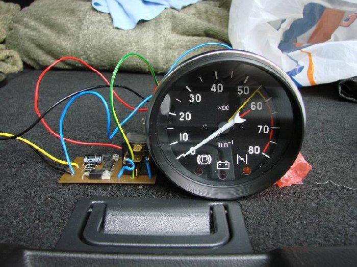 Аналоговый девайс для авто