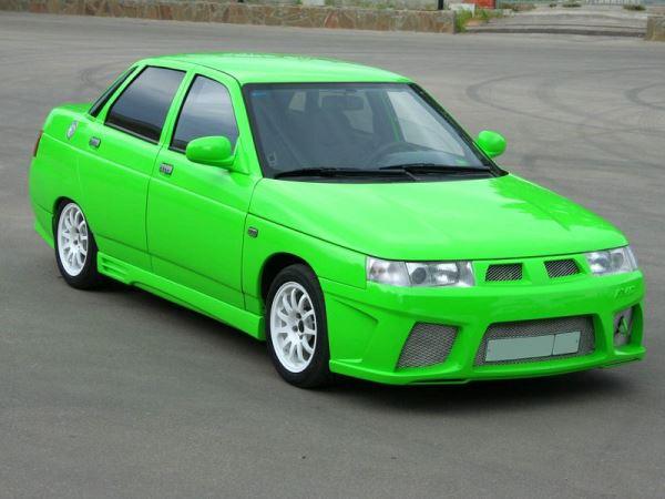 ВАЗ 2110 неонового цвета