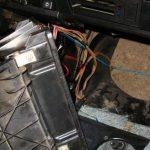 Демонтируйте старый радиатор и установите вместо него новый.
