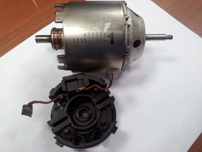 Электродвигатель отопителя системы автомобиля Ниссан