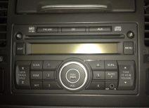 Штатные магнитолы на автомобилях Ниссан: особенности и обслуживание