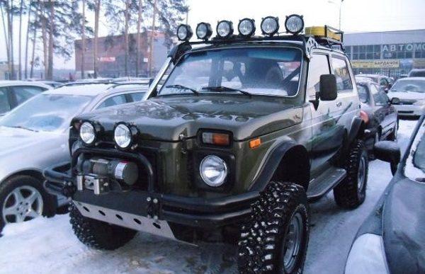 Тюнингованный автомобиль Нива
