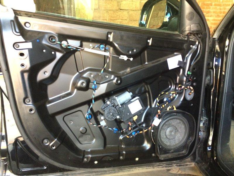 Замена механизма на двери водителя
