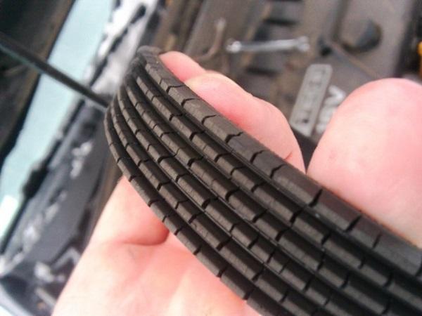 Трещины на поверхности привода