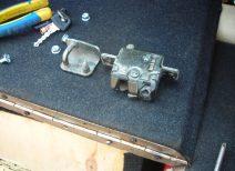 Основные аспекты регулировки замка багажника и установки электропривода ВАЗ 2114-2115