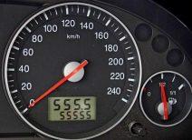 Характеристика и корректировка одометра автомобиля с помощью специального оборудования
